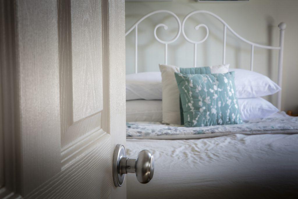 BedBreakfastBedroom2