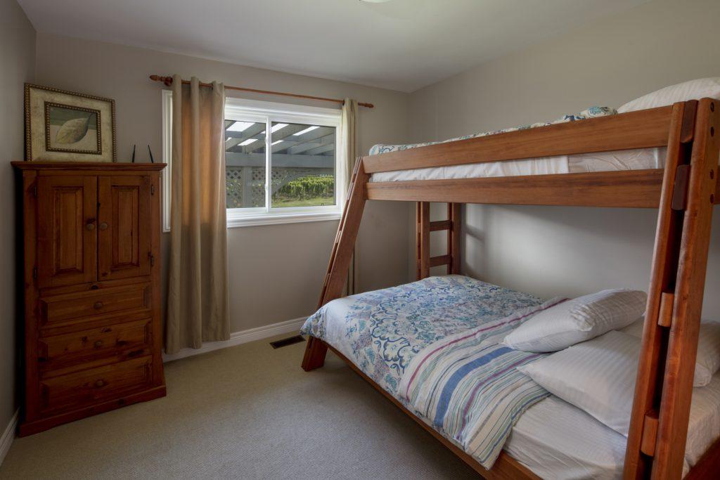 GuestHouseBedroom3